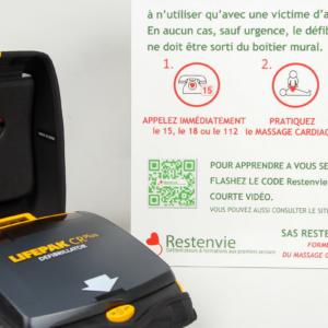 pack défibrillateur pour porter assistance à une victime d'infarctus