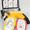défibrillateur contre ls crise cardiaque pour homme femme et enfant