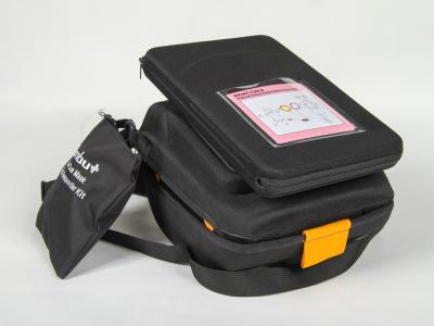 Défibrillateur automatique et semi-automatique portable pour les victimes d'infarctus